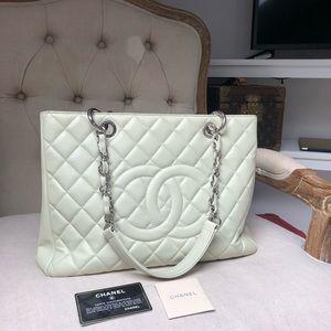 Chanel Grand Caviar Shopping Tote
